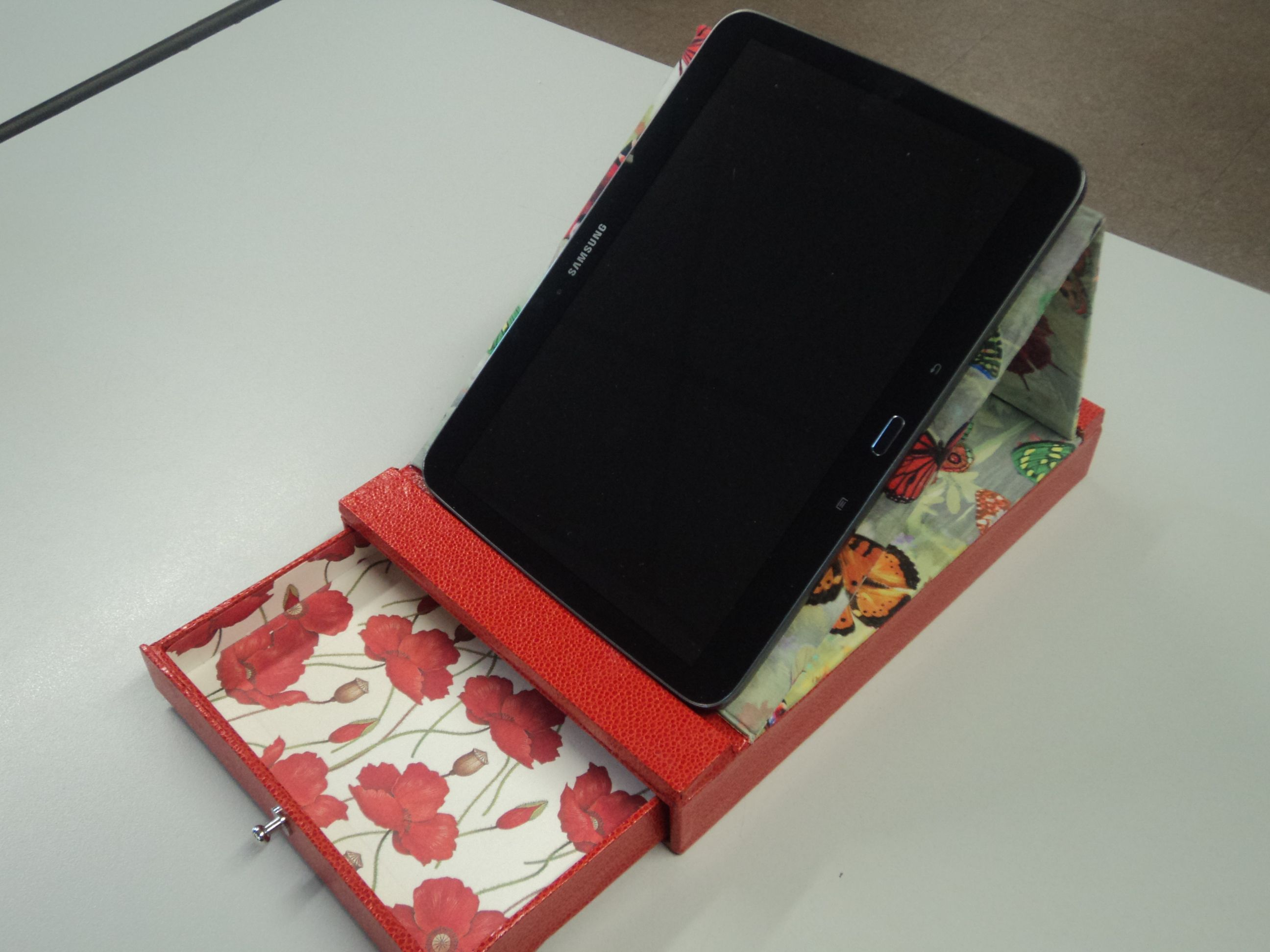 Cartonnage for Porte tablette